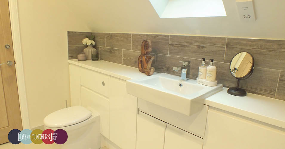 Modern Bathroom with wood effect tiles