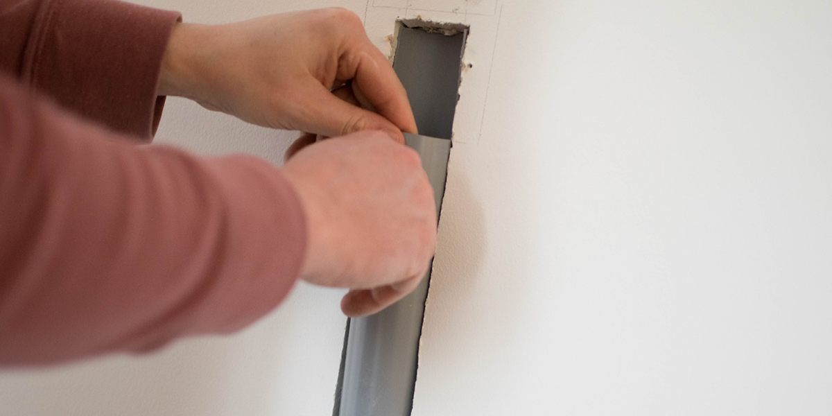 HOW TO HIDE TV CABLES when you have insulation boards