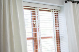 dressing living room windows with venetian blinds