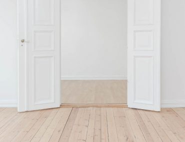 how to fit skirting boards in 5 easy steps